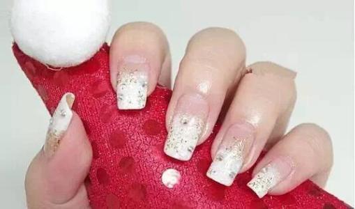 30 Snowflake Christmas Nail Designs